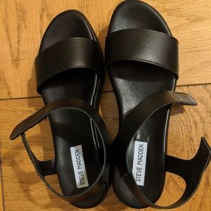 Steve Madden platform leather sandal
